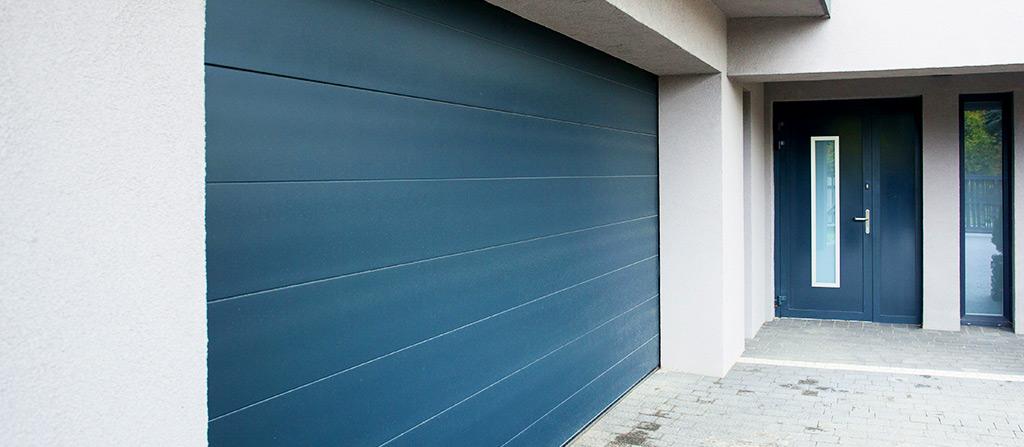 Portas de garagem seccionadas, basculantes, de fole, de correr e de batente