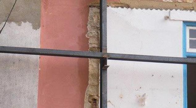 Estruturas metálicas para interior e para exterior