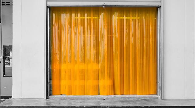 Cortinas de lamelas em PVC