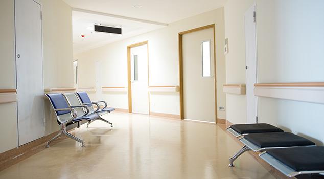 Modelos de portas hospitalares de batente