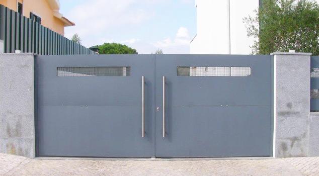 Tipos de portões de batente em ferro ou inox comercializados