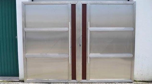 Tipos portões de garagem comercializados em Sintra
