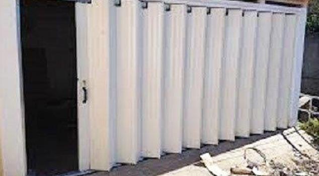 Portões de fole para a indústria, condomínios, prédios e moradias
