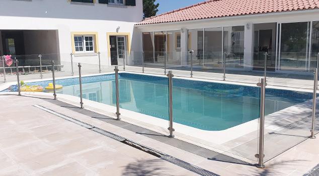 Guardas de proteção em inox para piscinas, varandas, esplanadas, muros e escadas